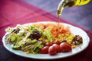 El aceite de oliva, indispensable en una dieta saludable