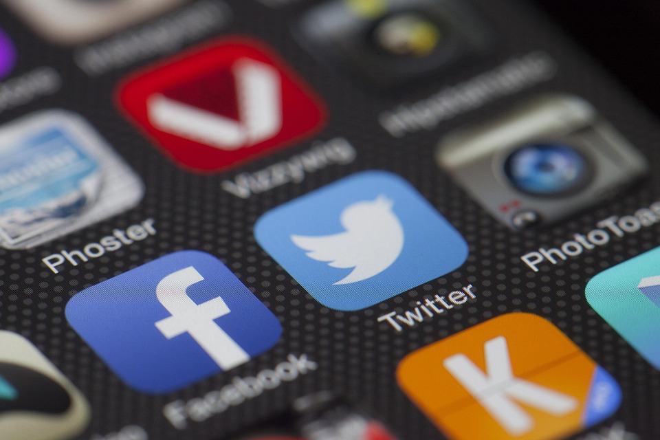 adicciones-a-redes-sociales