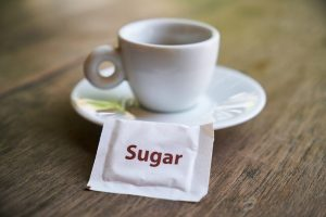 Alimentos que esconden gran cantidad de azúcar en su etiqueta