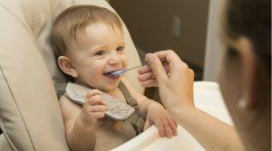 Qué pueden comer los bebés desde el primer mes hasta los dos años