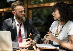 Comunicación verbal y no verbal en el estilo asertivo