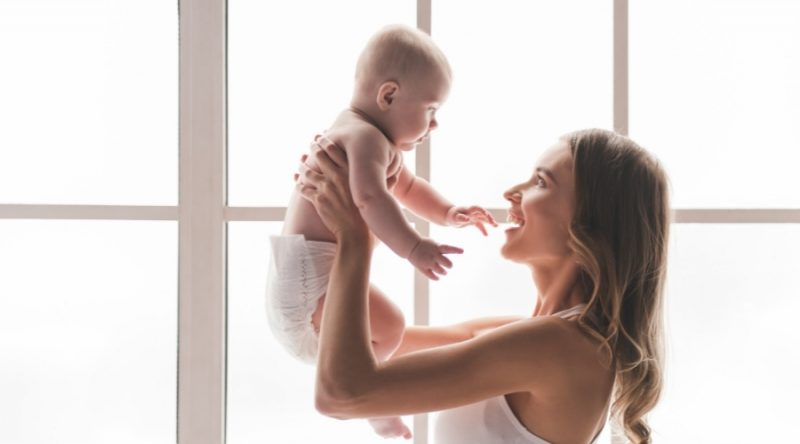 ¿Un bebé gestado por ovodonación se parecerá a su madre?