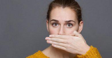 Causas de la halitosis y soluciones